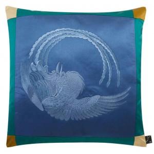 Luxueux coussin carré en satin brodé bleu Phoenix K3 by Kenzo Takada
