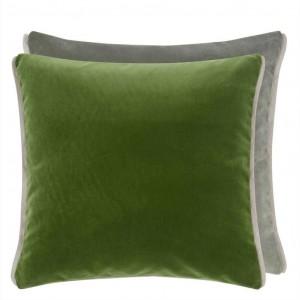 Coussin carré en velours vert Varese Fir & Sage Designers Guild