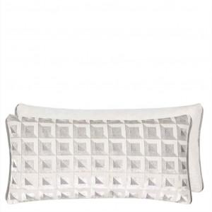 Coussin Monserrate Oyster en velours blanc/gris Designers Guild