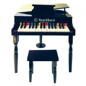 Petit piano et tabouret noir, Protocol